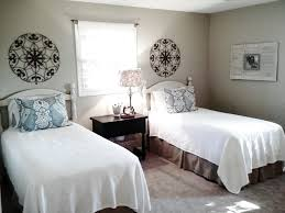 twin bed guest room ideas photo 19