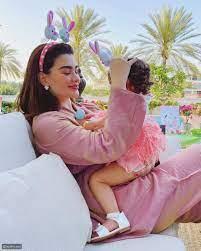 فيديو متداول يكشف عن وجه ابنة روان بن حسين للمرة الأولى - ليالينا