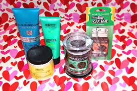 bolling gifts of the senses it consisted of hair body wash foot lotion lemon body creme a thin mint cookie candle and a peanut butter chocolate cookie car jar