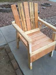 low cost wooden pallet chair