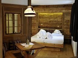 Eine Unserer Almsuiten Im Original Lesachtaler Bauernhaus