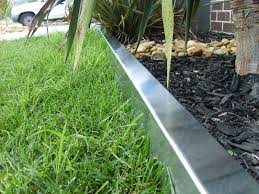 image of metal edging landscaping