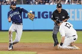 Short porch at Yankee Stadium haunts ...