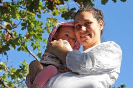 Breastfeeding mum Alyce Smith and daughter - ABC News (Australian  Broadcasting Corporation)