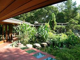 Frank Lloyd Wright Home Lakeside Garden