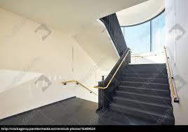 Lizenzfreies Foto 16489524 Treppenhaus Modern Gebäude Fenster