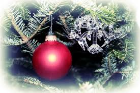 The History of the Christmas Kissing Ball   Holidappy