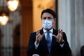 """Coronavirus e il dpcm, Conte: """"La mascherina va indossata sempre, anche con  amici e parenti"""" - La Stampa"""