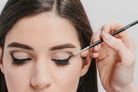audrey hepburn makeup tutorial breakfast at tiffany s beauty cat eye eyeliner