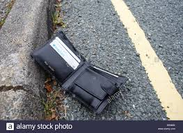 Lying Photo Road A - By Lost Of 68890094 The Alamy Wallet Side Stock
