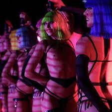 Dancer - <b>Crazy</b> Horse Paris