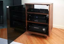 Short Media Cabinet Black Polished Solid Wood Stereo Cabinet With Three Tier Open
