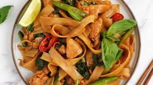 drunken noodles pad kee mao khin