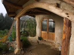 How To Build A Hobbit House Family Of Four Gave The Middle Finger To The Banks And Built A