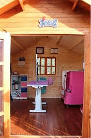 pet day spa grooming cabin