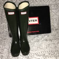 hunter boots size 6 hunter boots shoes dark olive tall size 6 gently used poshmark