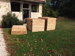 House Made From Pallets Diy Pallet Hideout For The Kids Home Design Garden