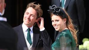 A young princess beatrice with her cousins william and harrycredit: Princess Beatrice Marries Edoardo Mapelli Mozzi In Private Windsor Ceremony Bbc News