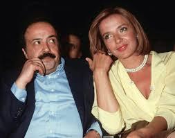 Simona izzo was born on april 22, 1953 in rome, lazio, italy. Simona Izzo Debito Per Acquistare Una Casa A Favignana