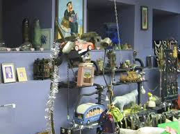Жнейка швейка молоток это инсталляция на тему лампы  Художники Минска Живопись Современная живопись Беларуси