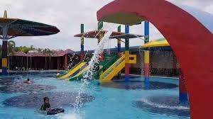 Kolam renang adalah pelengkap yang luar biasa untuk halaman belakang yang besar, adanya kolam renang akan menciptakan waktu bersama keluarga yang sangat baik dan menyediakan sarana olah raga yang sangat. 10 Kolam Renang Di Gresik Yang Seru Untuk Dikunjungi
