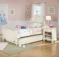 Light Colored Bedroom Sets Bedroom Sets For Kids Modern Cinnamon Wall Color Decorating Ideas