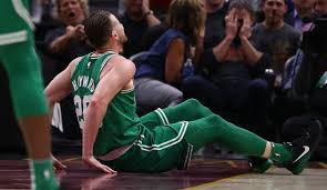 gordon hayward fractures ankle minutes into celtics debut sports round table