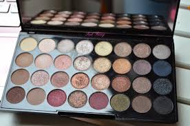review makeup revolution ultra professional eyeshadow palette flawless