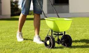 10 Best Fertilizer Spreaders [ 2019 Reviews ] - Best of Machinery