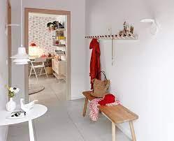 Mieter nutzen die fläche vor ihrer wohnungstür gern, um das eine oder andere möbelstück abzustellen. Ein Starker Boden Fur Den Flur Bild 19 Schoner Wohnen
