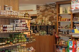 Ternyata Banyak Minimarket Melanggar Aturan Yang Sudah Diterapkan