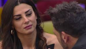Serena Enardu si confessa su Pago e il single Alessandro