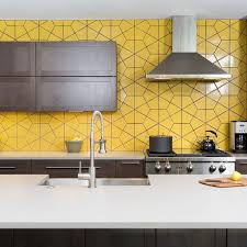 Yellow pop of colour in the kitchen