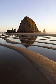 travel photo essay haystack rock oregon cannon beach oregon  beautiful places