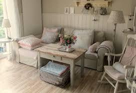 cottage chic furniture. Modren Furniture Der Shabby Chic Mbelstil Erinnert Farblich An Vintage Setzt Sich  Allerdings Durch Seine Used To Cottage Furniture