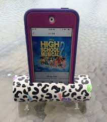 diy toilet paper roll iphone or ipod speaker stand