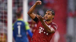 Born in munich, bavaria, lell started his training with fc alemannia münchen, he earned a place in bayern's youth section in 1993, and played there for eight years. Atnwipjkzlwham