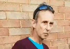 Vigilantes catch pervert outside hospital after he messaged '˜11-year-old  girl'   The News
