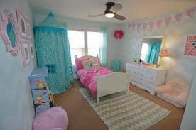 a diy stenciled little girlu0027s room using the chevron allover pattern http girls g96 little