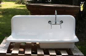 kitchen sink with drainboard for make easy to wash kitchen