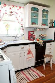Country Kitchens On A Budget 25 Best Ideas About Red Kitchen Accents On Pinterest Red Decor