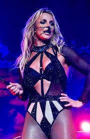 Britney Spears has fans fuming over a pair of Louboutin shoes |  Lifestylehotblog.com
