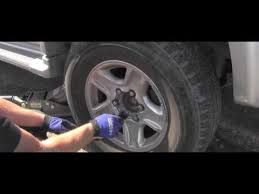 Toyota How To Tighten Lug Nuts Correctly Youtube