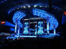 awesome lighting. What Awesome Lighting Does This Stage Design Give S Off Special