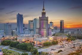 État d'europe orientale la pologne est limitée au nord par la mer baltique et la russie à l'est par la lituanie la biélorussie et l'ukraine au sud par la slovaquie et la république tchèque et à l'ouest par. Varsovie La Capitale