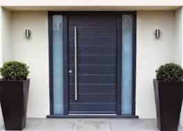 Desain pintu pagar model minimalis dengan bahan kayu atau besi. Https Claphamaesthetics Com 38 Gerbang Pagar Rumah Minimalis Segar Idaman Keluarga