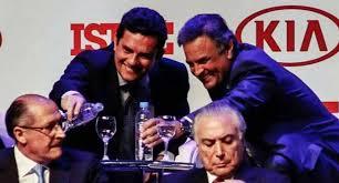 Resultado de imagem para Moro e Aécio Neves