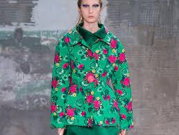 <b>Spring</b> 2018 Fashion Trend: <b>Retro</b> Floral <b>Prints</b> - theFashionSpot