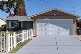 36112 newark blvd ca 94560 realtor com garage door