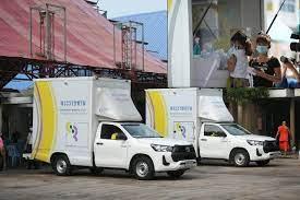 รถพระราชทานลุยตรวจโควิดย่านคลองเตย ผู้ว่าฯอัศวิน เผยผู้ป่วยตกค้าง 30 ราย  เร่งส่งตัวรักษา